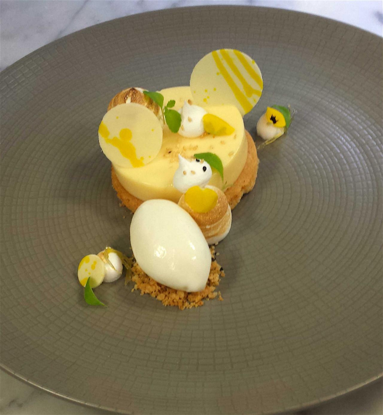 Lemon And sesame tart
