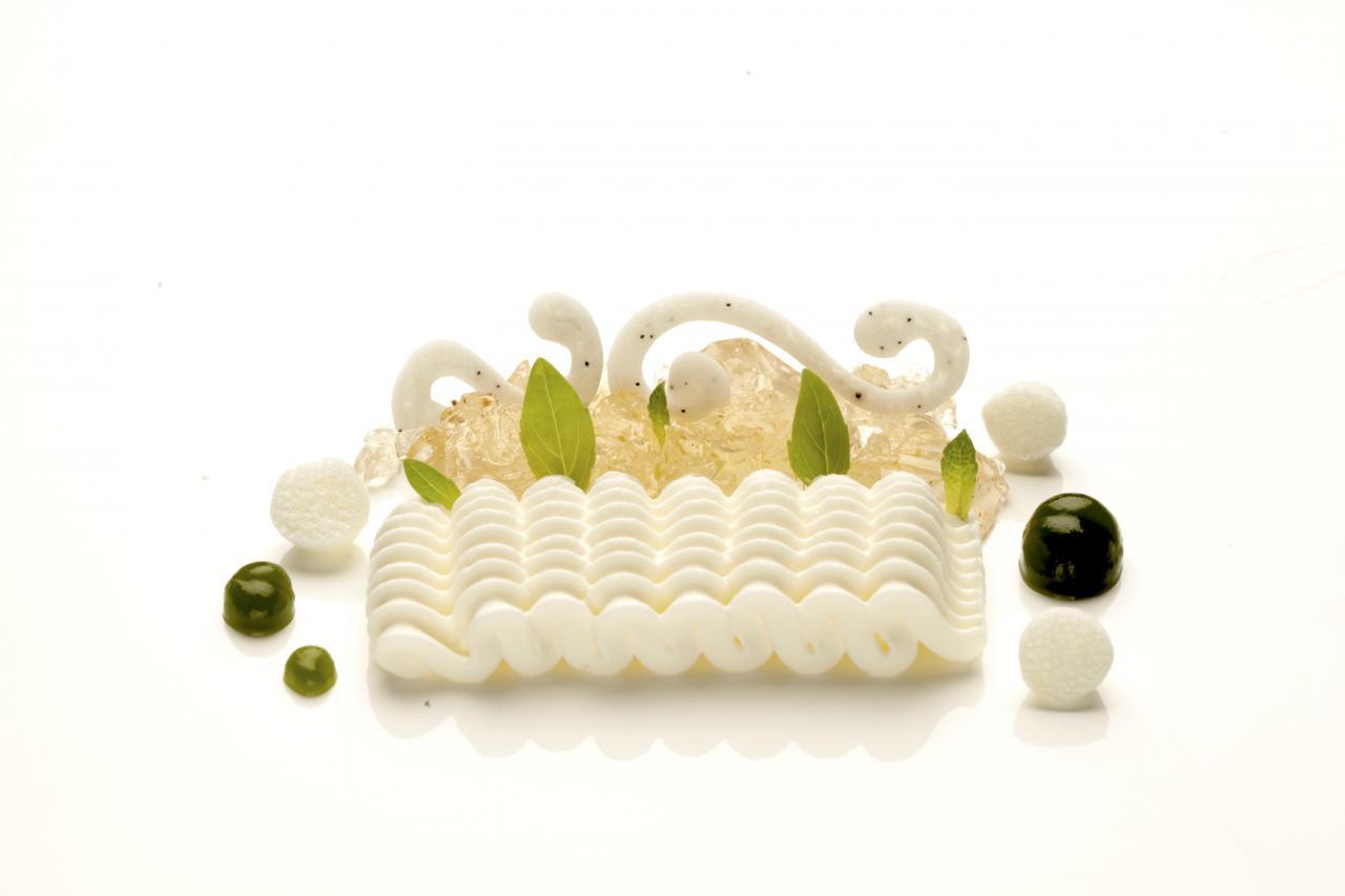 Green tea by Bulgari (Jordi's dessert from the perfume series). Photo: El Celler de Can Roca